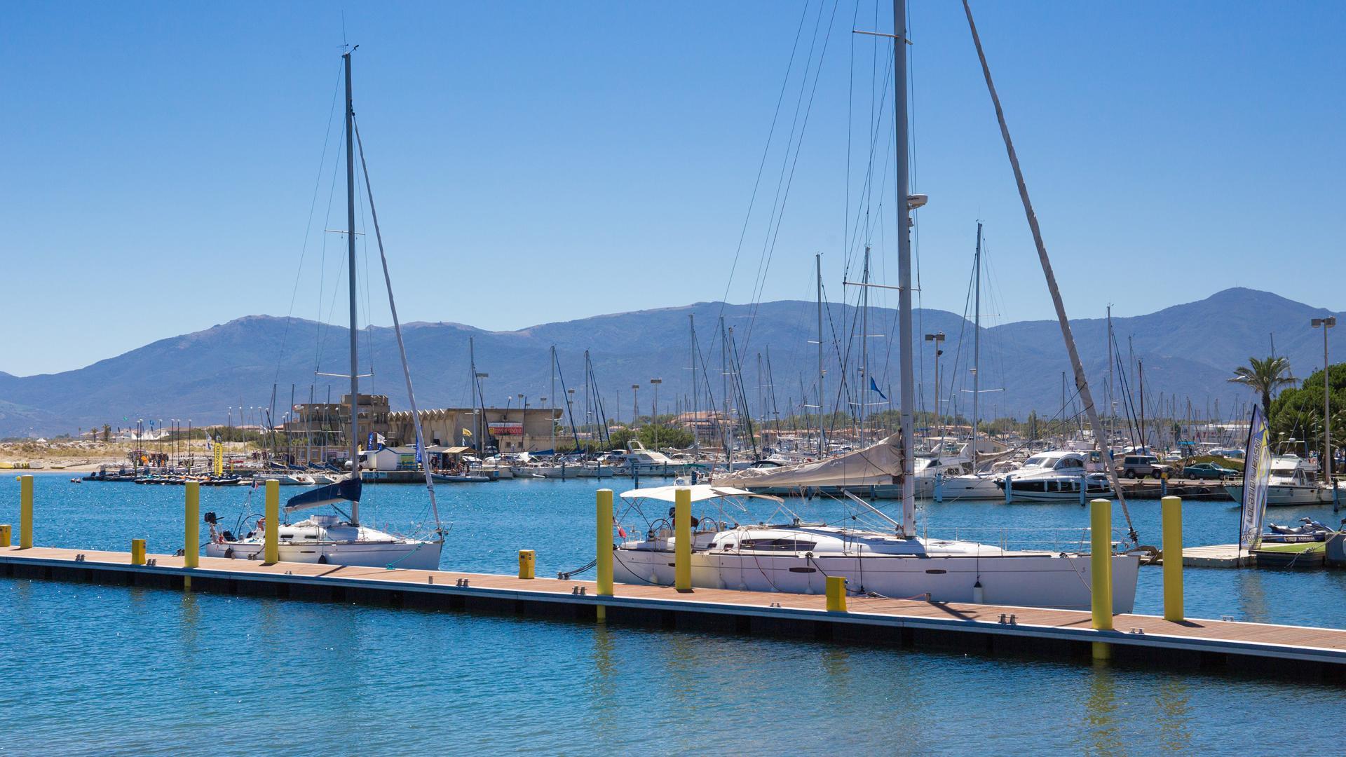 Le port de saint cyprien office de tourisme de saint cyprien - Canet plage office du tourisme ...